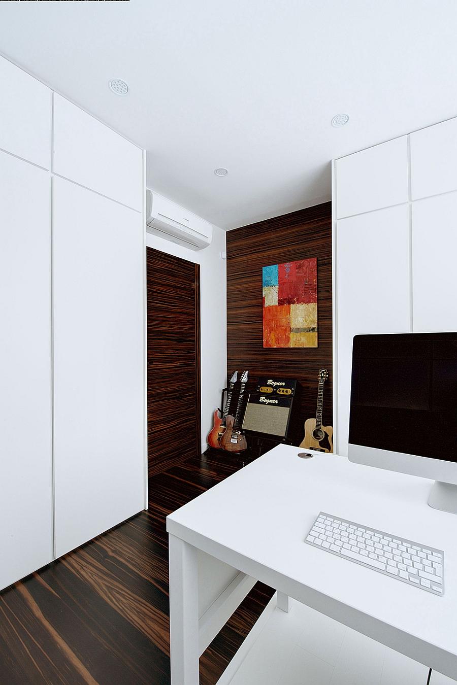 Sleek workstation in white