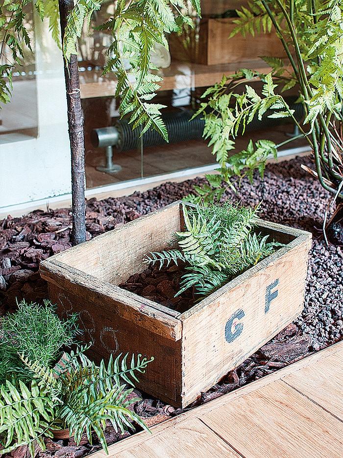 Small garden idea for modern apartment