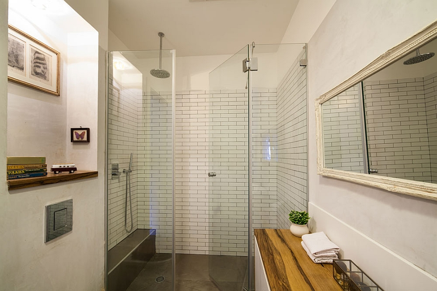 Spacious bathroom design for a small apartment