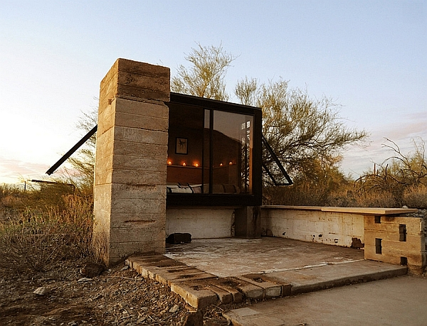 Miner's Shelter: Tiny Desert Dwelling Clad In Glass And Steel