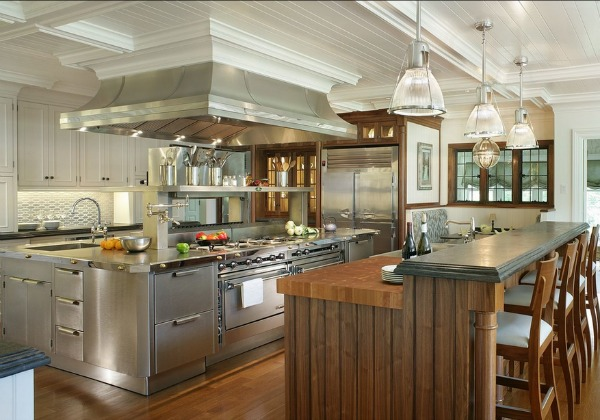 View in gallery Traditional Stainless Steel Kitchen Design.jpg