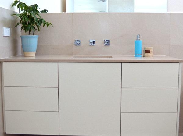 View In Gallery Vivid Blue Details In A Minimalist Bathroom