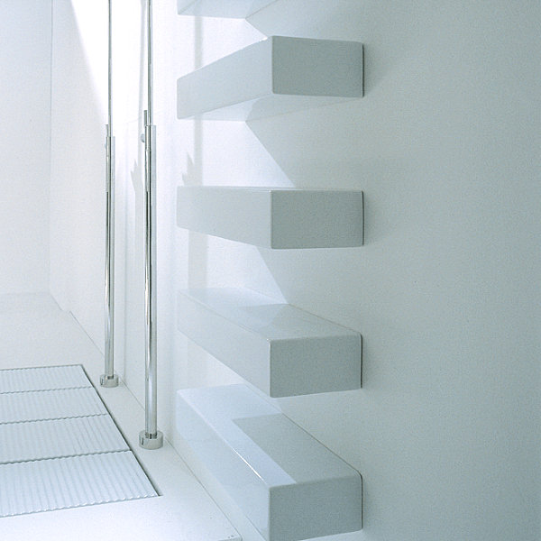 Wall-mounted ceramic shelf