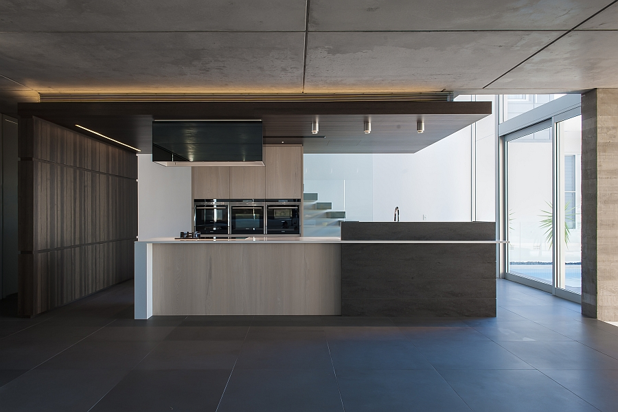 Warm LED lighting for the contemporary kitchen Contemporary Kitchen In Sydney Blends Cutting Edge Style With Savvy Design