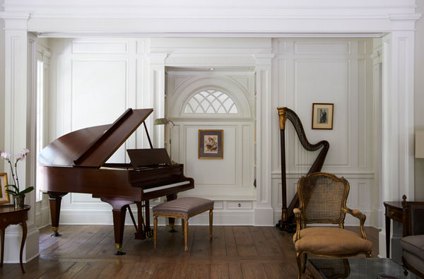 brooks-and-falotico-associates-georgian-residence-with-harp-in-living-room-