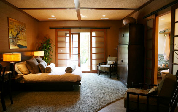 cch-design-inc-dramatic-bedroom-designs-with-asian-flair