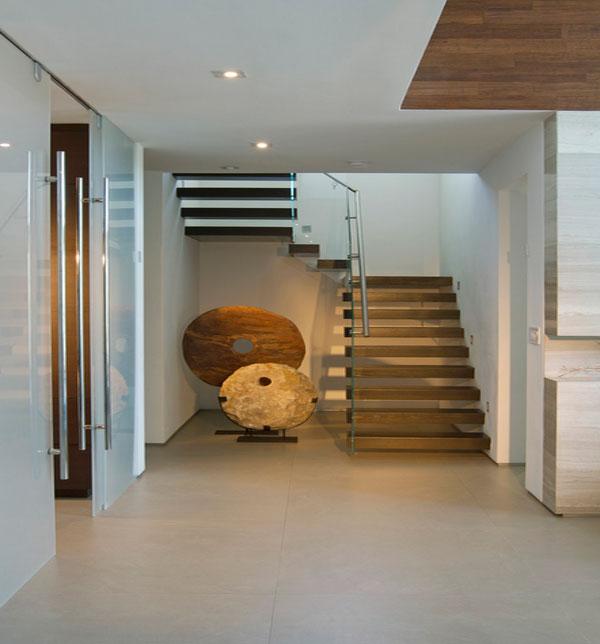 Elegant flooring in sandstone