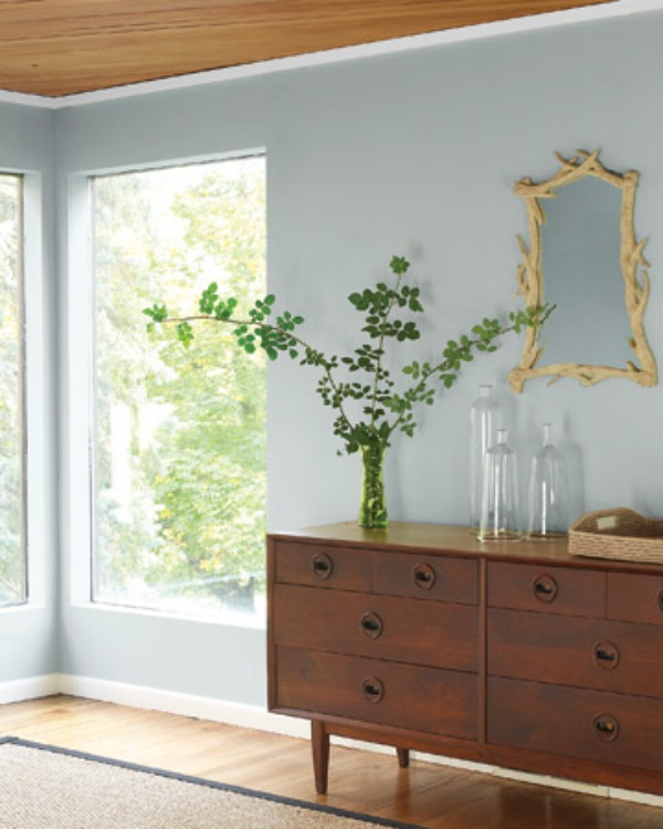 Teak decor that is stylish and functional