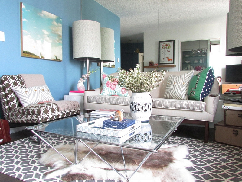 A blue feature wall in the living room