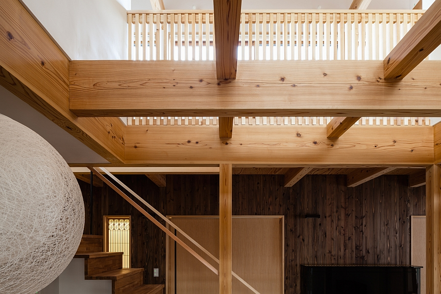 A closer look at the defining feature of the house - Wooden grid ceiling