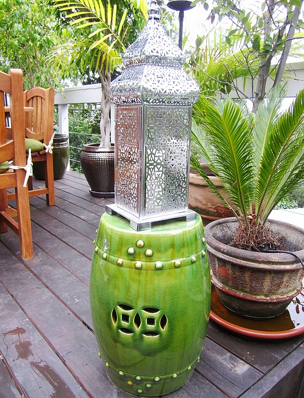 A hint of oriental charm for the patio