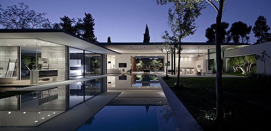 Amazing Float House with water body around it reflects the silhouette of the house