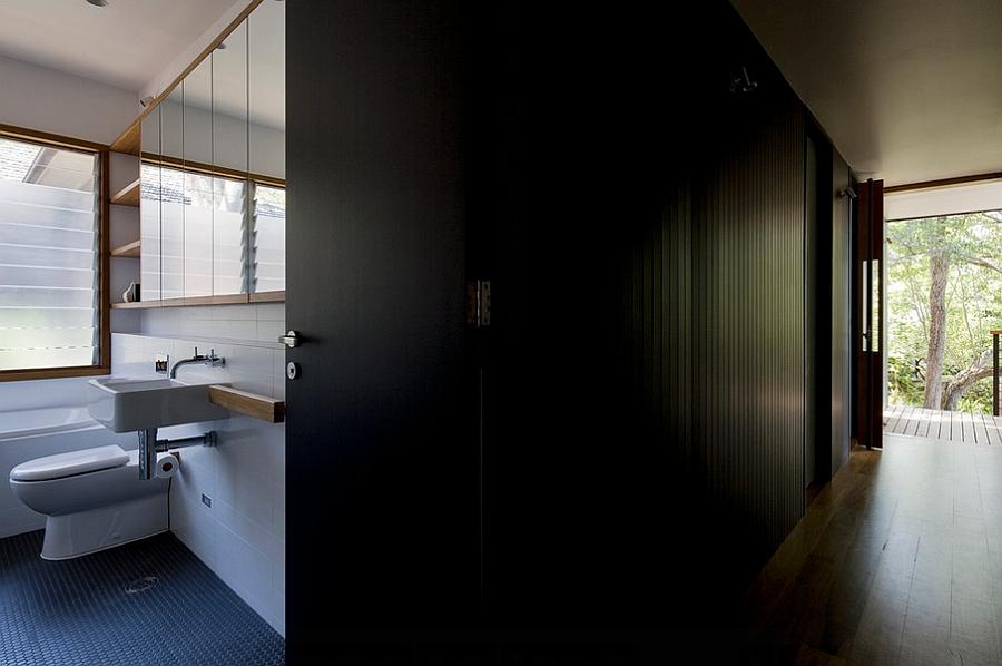 Balanced use of light and dark tones inside the Ozone House