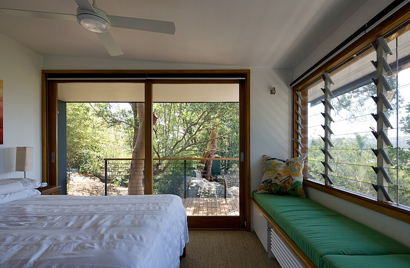 Bedroom that is visually connected with the outdoors