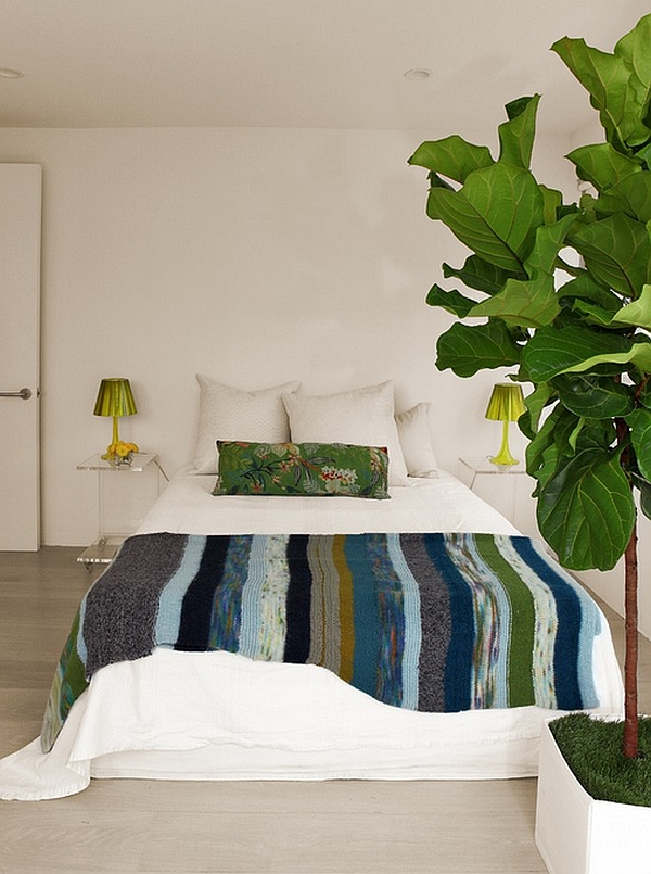 Bedroom with a touch of tropical green