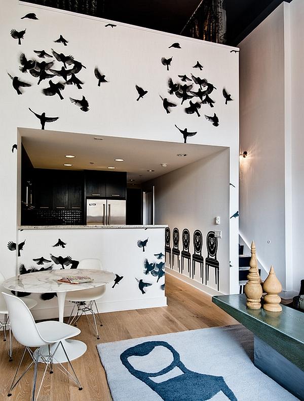 Bird wallpaper looks both dramatic and posh