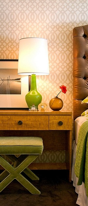 Capri Bottle Lamp in Green for the Bedside Table