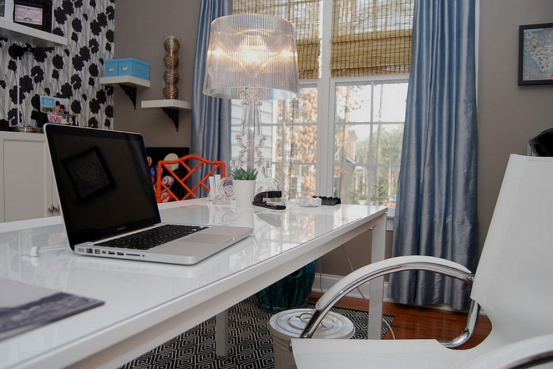Chic table lamp for the modern home office