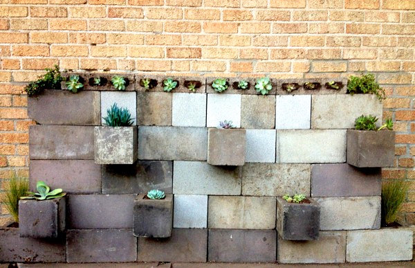 Diy projects with cinder blocks ideas inspirations for Diy brick projects