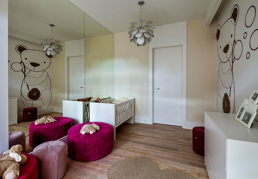 Colorful ottomans enliven the kids' bedroom