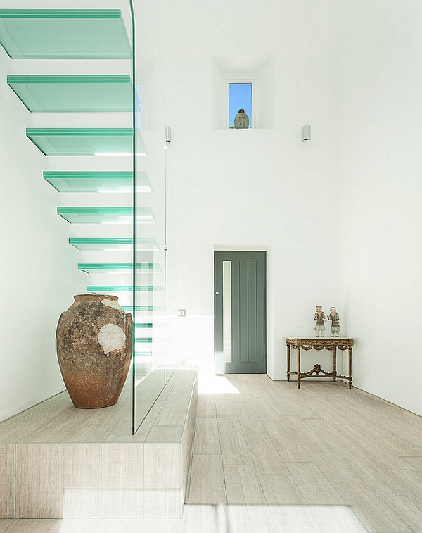 Contemporary glass stairway for the minimal home