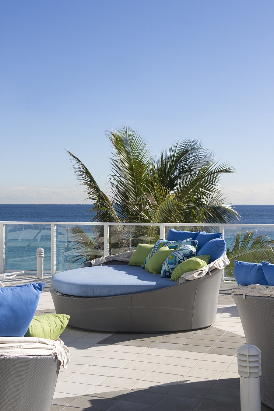 Contemporary outdoor daybed with canopy