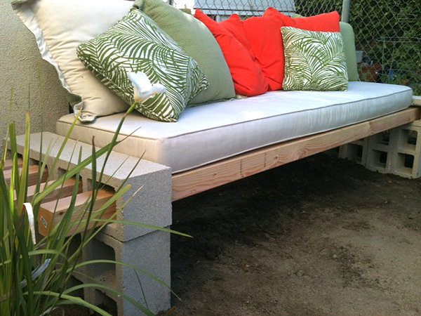 DIY concrete and cinderblock bench