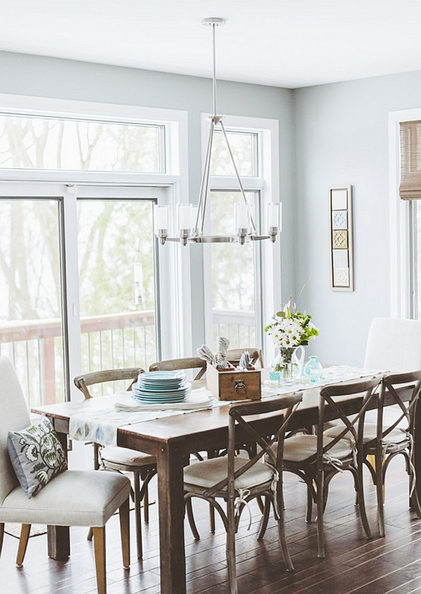 Dining area that borrows from the classic Rustic Style