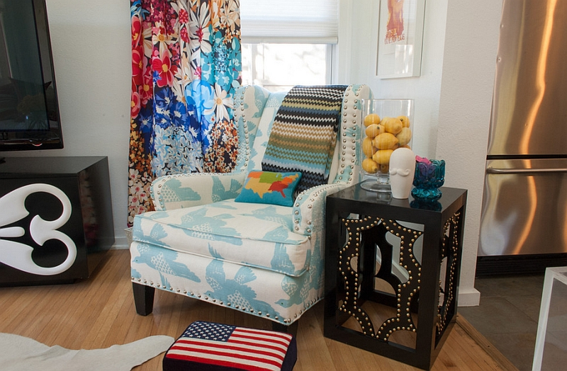 Eclectic living room adds plenty of color