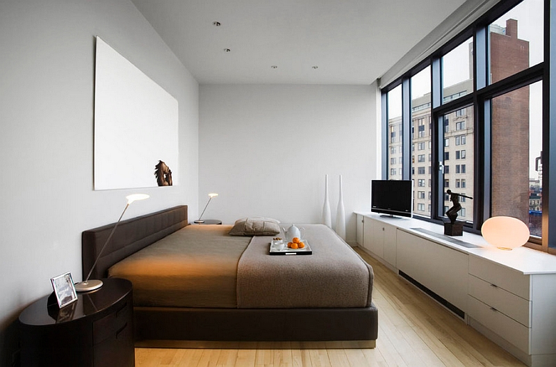 Exquisite bedroom of the New York City Apartment with framed views