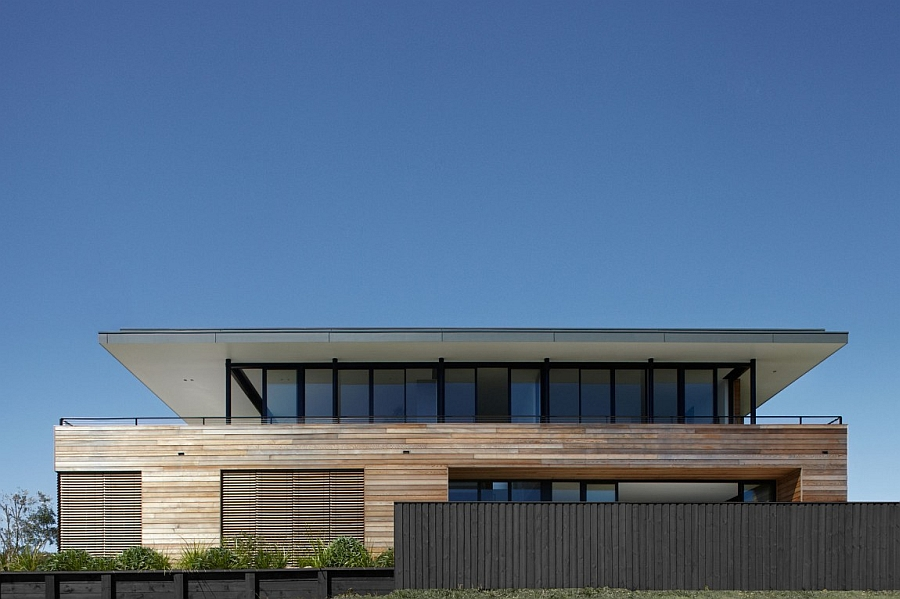 Facade of the Lamble Residence in Australia