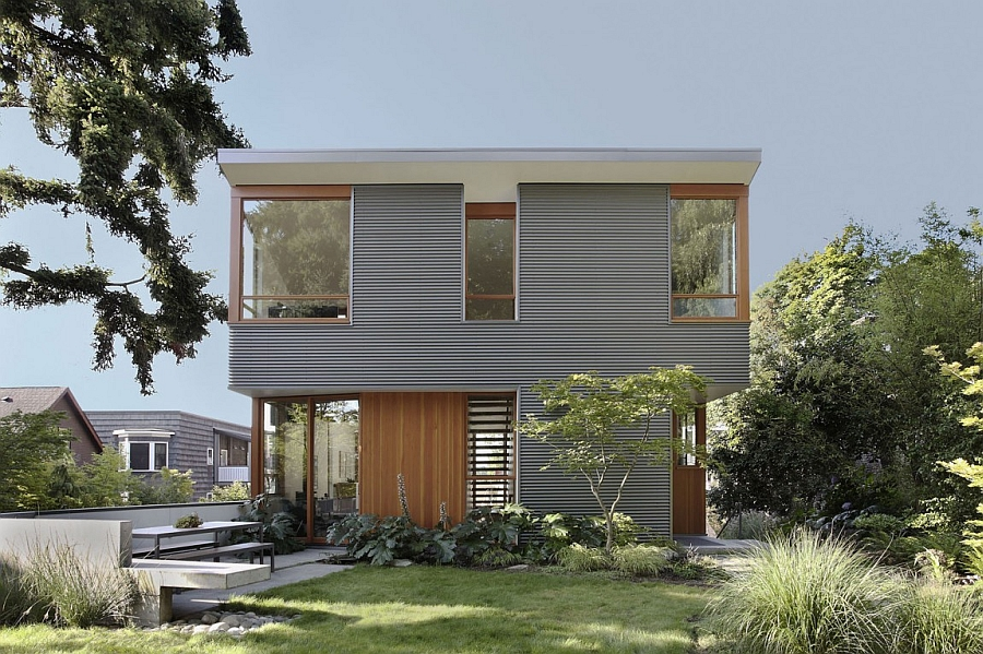 Eco friendly seattle house blends sustainability with for Maine eco homes