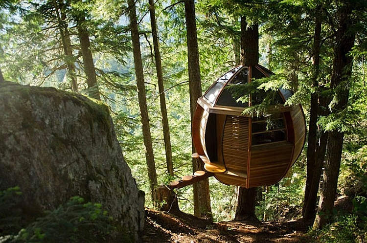 HemLoft cabin with a beuatiful walkway Tranquil Treehouse Cabin In Canada Offers A Getaway Concealed By Nature!