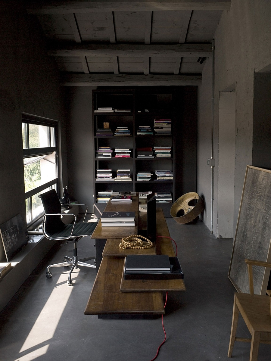 Home office the brings together the modern and the rustic