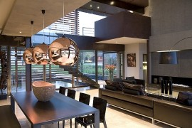 House Serengeti: Sharp Angles, Contemporary Architecture & Luxurious Decor
