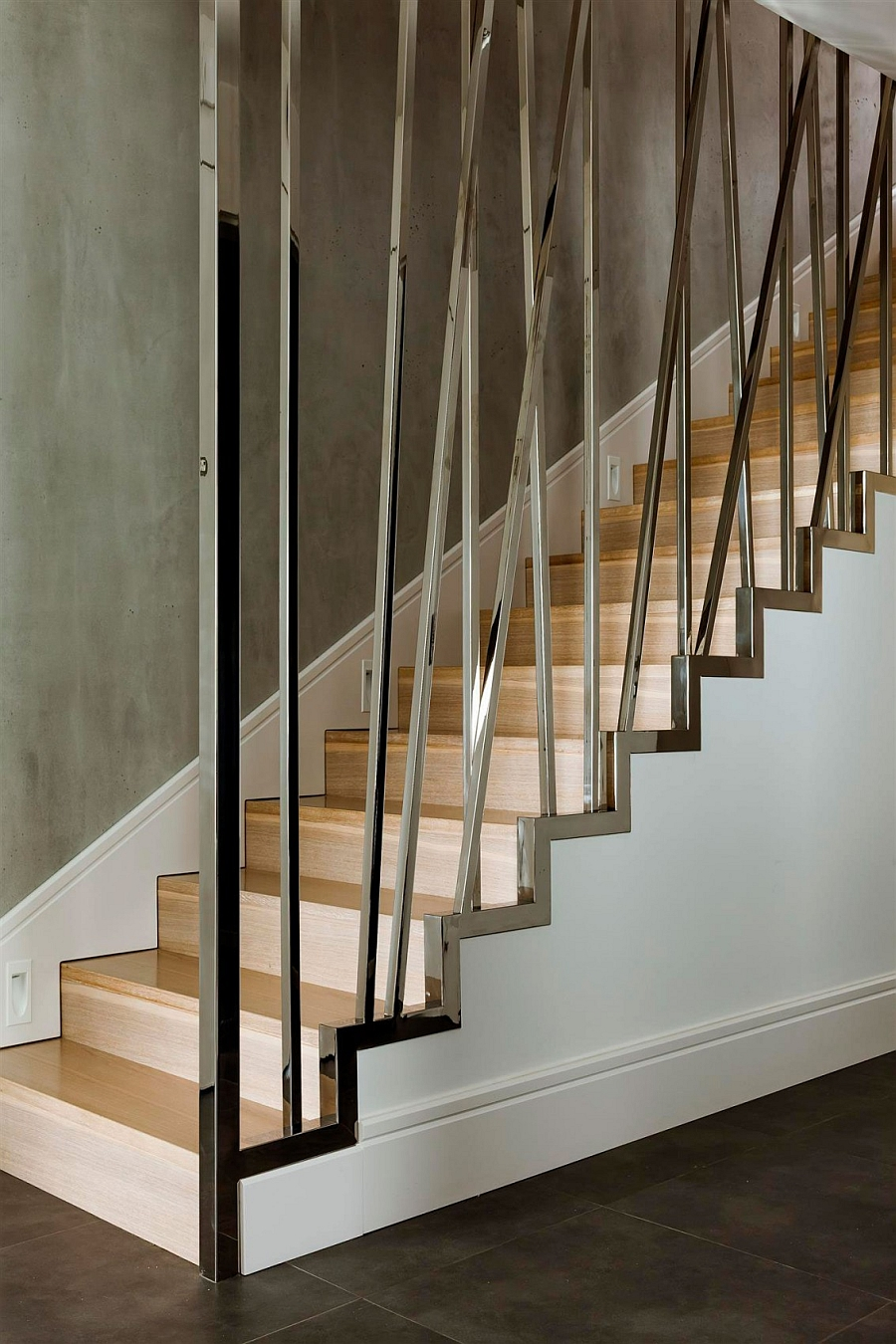 Innovative metallic railing design idea for modern stairs
