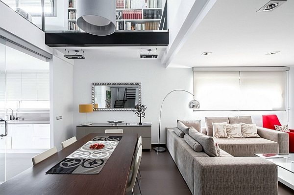 Classy Spanish Home Enlivens An Urbane Interior With Smart Accent Hues