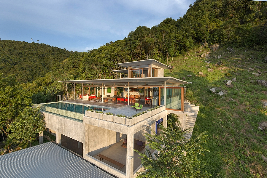 Lavish Home in Thailand surrounded by plenty of greenery
