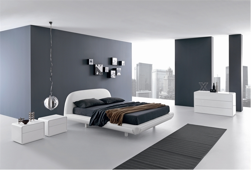Let the bed enhance the minimalist appeal of the room