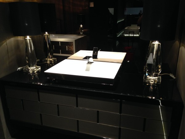 Luxurious bathroom decor - iSaloni 2014