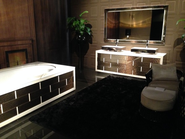 Luxury black bathroom decor - iSaloni 2014