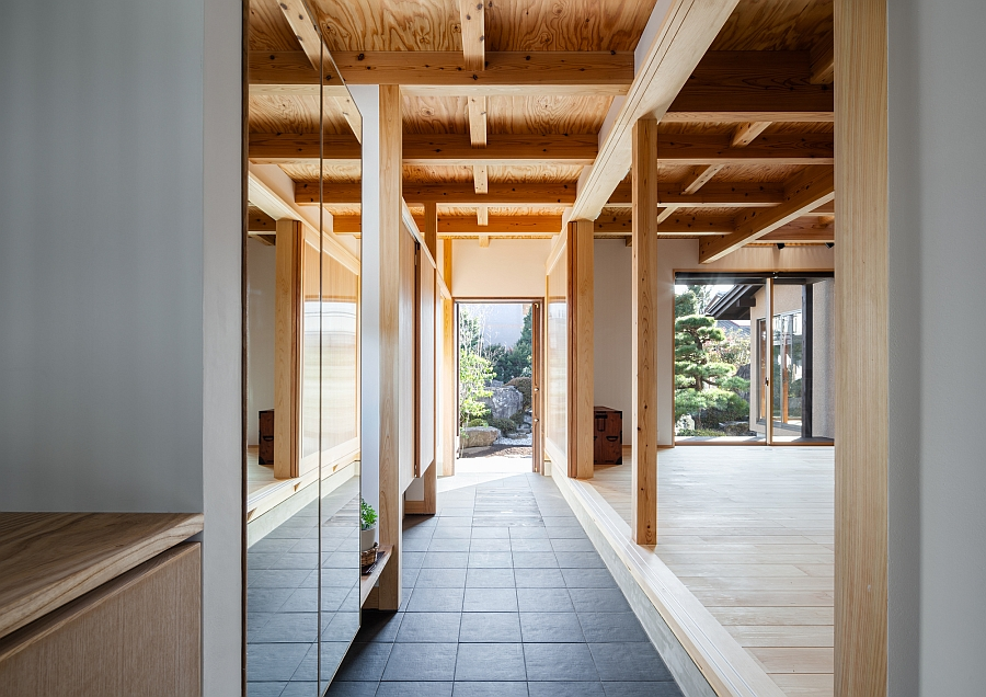 Traditional japanese elements meet modern design at the for Natural light in homes