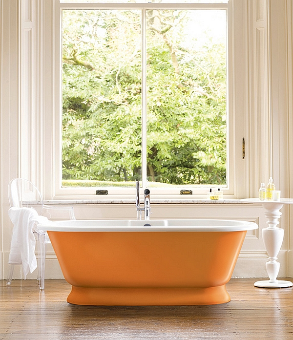 Orange bathtub looks both classy and funky