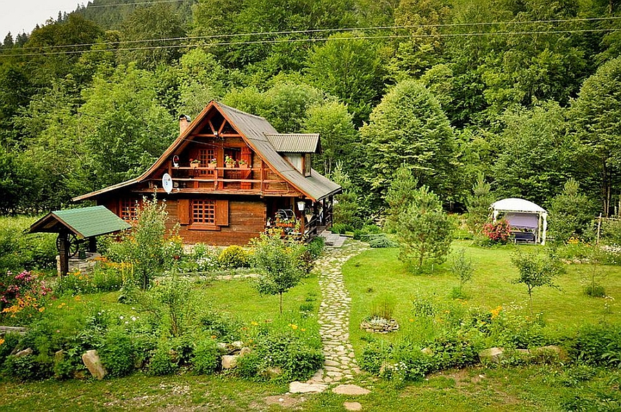 Serene and tranquil house Near Piatra Neamt in Romania Gorgeous Rustic Home In Romania Combines Traditional Design With Stunning Scenery