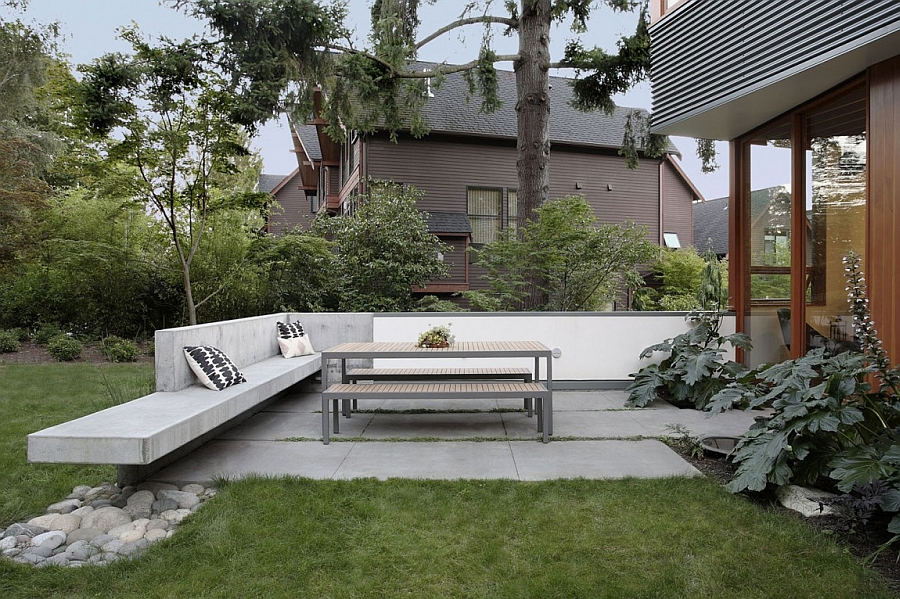Simple and efficinet design of the outdoor seating