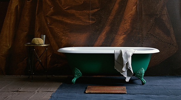Spey Classic Roll Top Tub in Jade Green looks Stunning