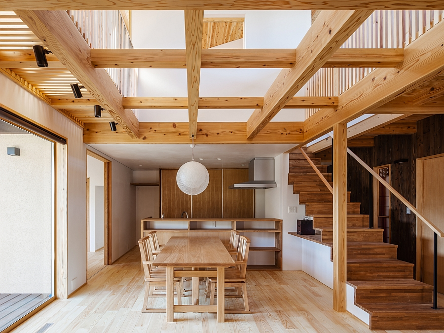 Stylish ceiling with a grid of wooden beams Traditional Japanese Elements Meet Modern Design At The Cocoon House