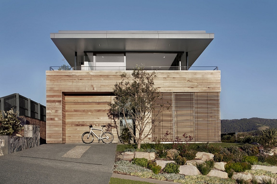 Timber cladding of Lamble Residence by Smart Design Studio Breathtaking Ocean Views And A Distinct Facade Shape The Lamble Residence