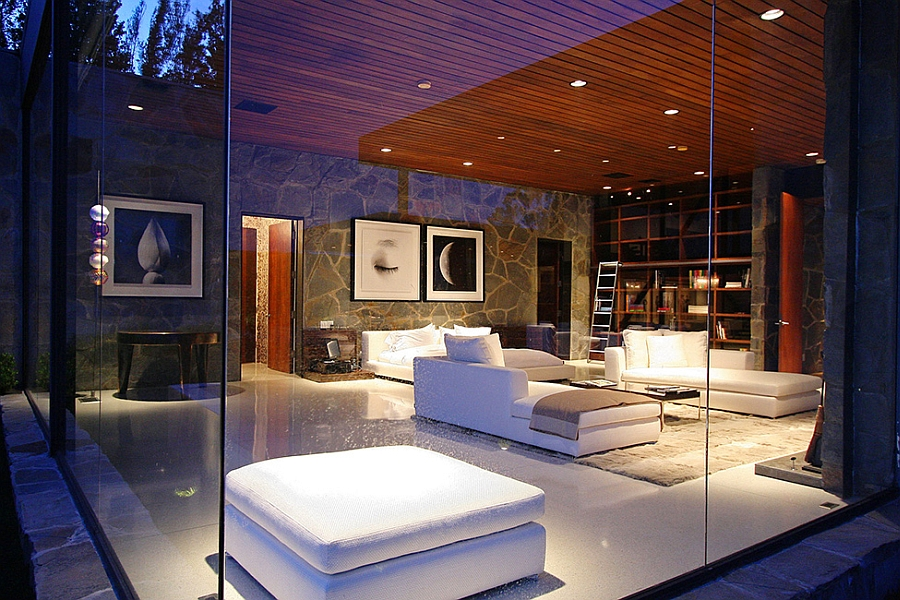 Luxurious Beverly Hills Mansion Acquires A Sparkling New Interior