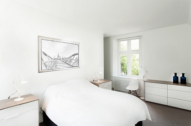White is an obvious choice for the minimalist bedroom